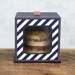 Arquivo caixa com visor para bolo